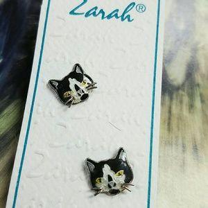 Zarah Cat Stud Earrings